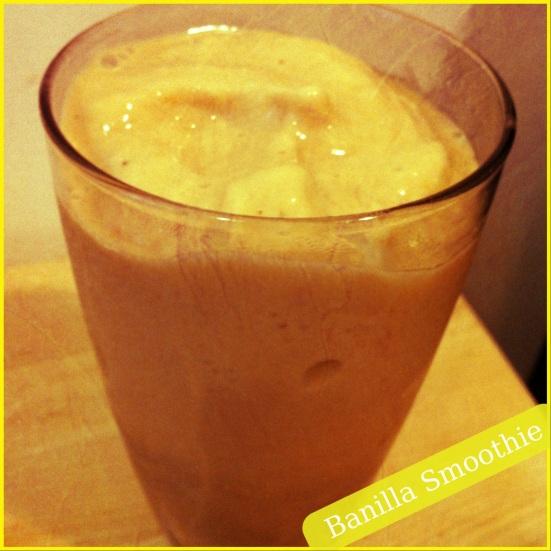 Banilla Smoothie via Fitful Focus