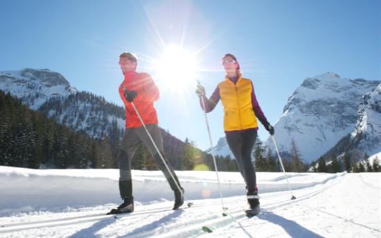 One Foot 2 Foot skiing